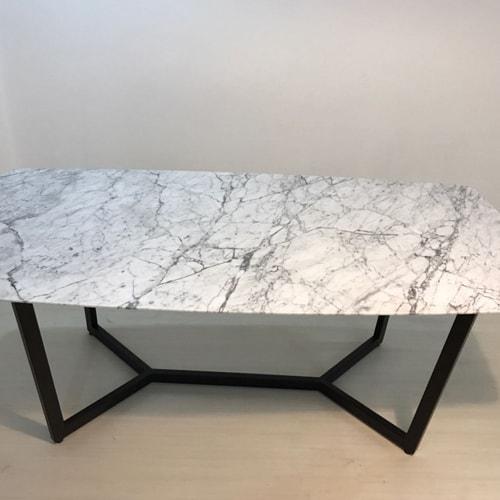 4-kisilik-beyaz-mermer-masa.jpg