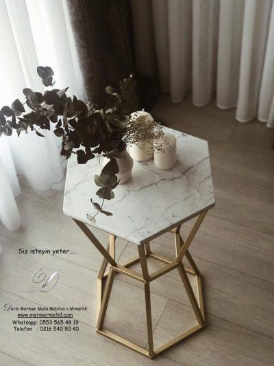 Beyaz-İtalyan-Carrara-Mermer-Eskitme-Prinç-Ayaklı-V-Model-Orta-Sehpa-2.jpg