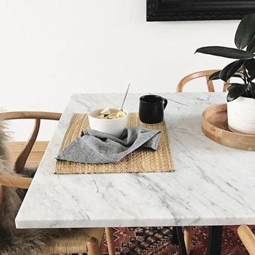 mermer-beyaz-masa.jpg